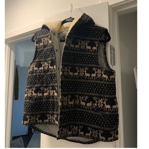 FREE PEOPLE Reindeer Quitled Hooded Sherpa Lined V